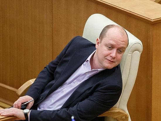 Скромность не украшает банкрота. Депутат Геннадий Ушаков скрыл от суда ряд финансовых документов
