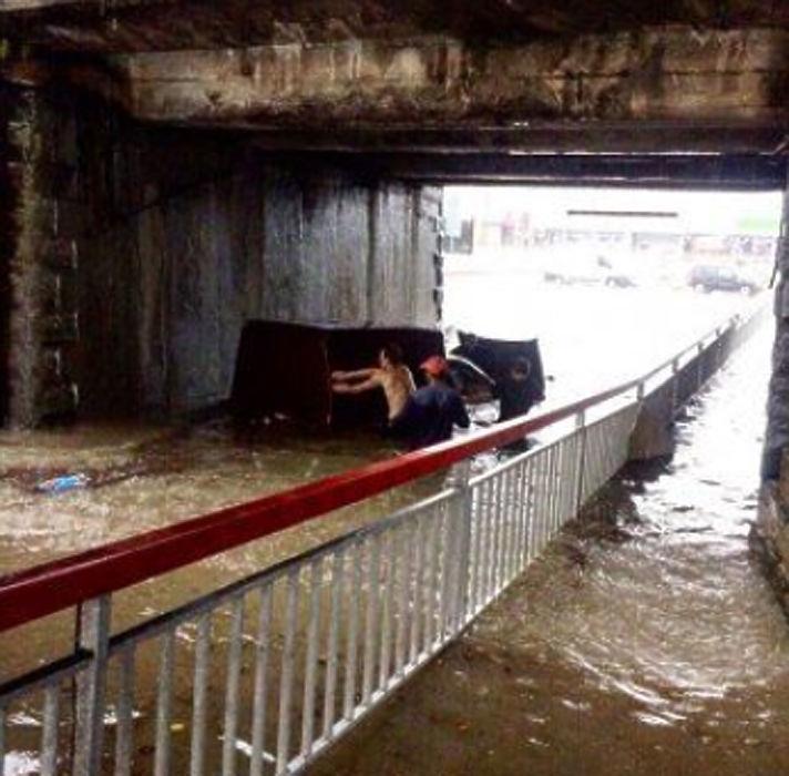 Путин стал заложником потопа в Сочи