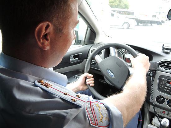 """Дорожные патрули начнут работать """"под прикрытием"""" с 2016 года"""