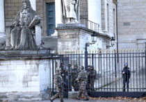 """Виноваты ли французские силовики в том, что не смогли предотвратить вчерашние теракты в Париже и допустили такое количество жертв? Насколько российские силовые структуры готовы к такого рода угрозам? На вопросы """"МК"""" отвечает вице-президент Международной ассоциации ветеранов подразделения антитеррора """"Альфа"""" Алексей Филатов"""