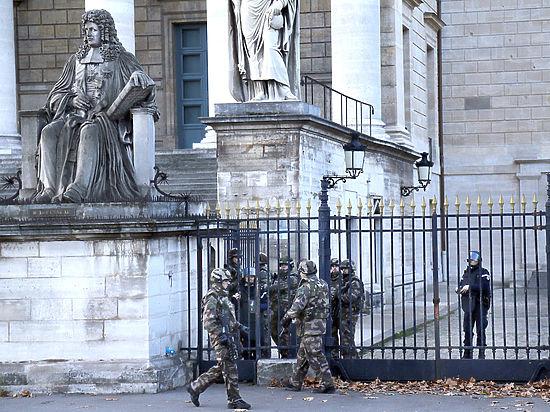 Эксперт: у террористов были свои люди в силовых структурах Франции