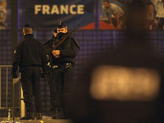 Следы нападений во Франции привели в Сирию и Бельгию