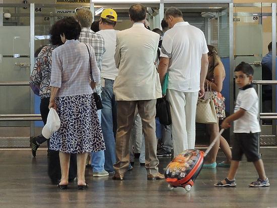 Глава федерального агентства спрогнозировал спад этой отрасли на 40% за счет увеличения спроса на поездки по России