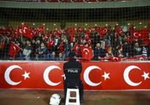 Неприятный инцидент произошел на товарищеском футбольном матче между сборными Турции и Греции