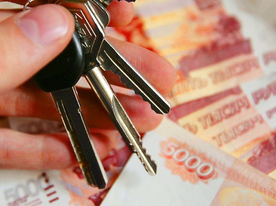 Четверо жителей Барнаула подозреваются в мошенничестве с квартирами пенсионеров