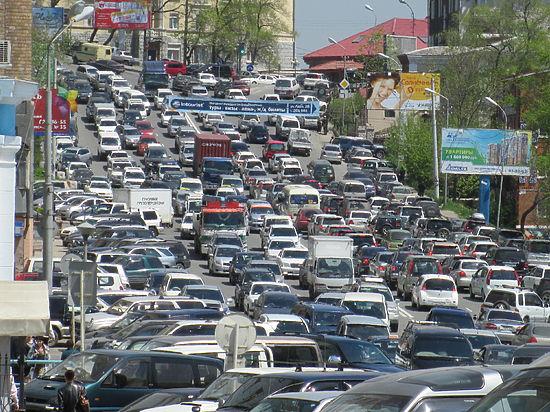 Кому греют карман ежедневные мытарства водителей Владивостока в поисках парковок?