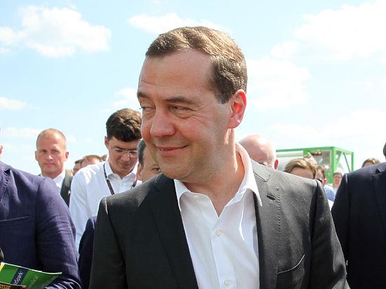 Медведев предложил надеяться на чудо в вопросе украинского продэмбарго