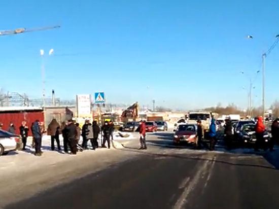 Полиция задержала первых дальнобойщиков, протестующих по всей России против «Платона»