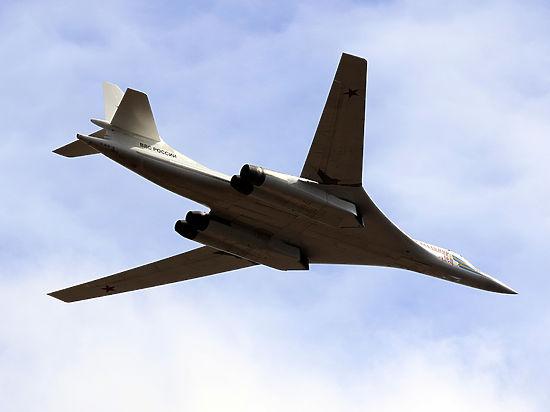 Российские Ту-160 вызвали тревогу у поднявшихся на перехват британских «Тайфунов»