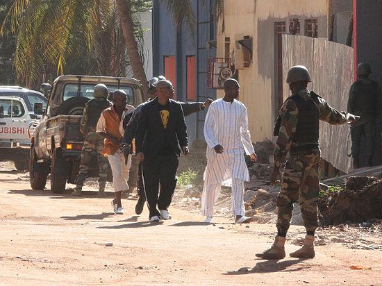 «Нас ждут кровь и слезы»: в Мали джихадисты захватили отель