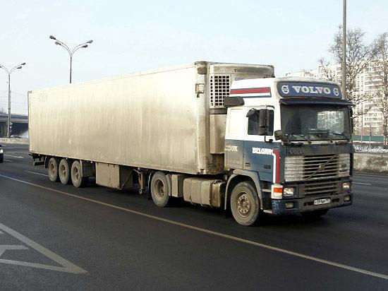 Дагестанские дальнобойщики готовят марш протеста на Москву, сообщили СМИ