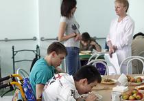 Россияне охотнее жертвуют больным детям