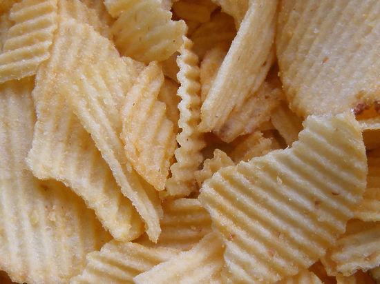 В Госдуме предложили обложить акцизами «вредные» чипсы и газировку