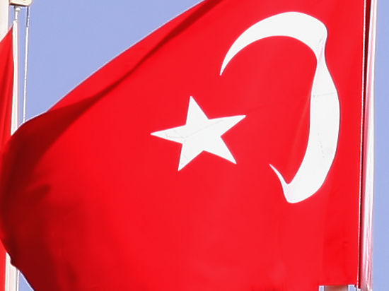 После трагедии Су-24 с ульяновского завода «Эфес» сорвали турецкий флаг