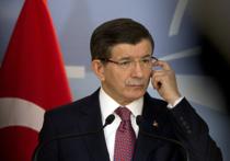 Премьер Турции Ахмет Давутоглу сделал ряд противоречивый заявлений относительно российского бомбардировщика Су-24, сбитого турецкими ВВС в небе над Сирией
