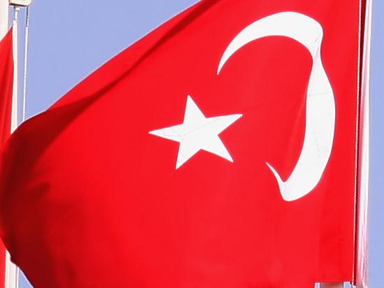 Подлодки Турции начали слежку за российским крейсером, прикрывающим авиабазу «Хмеймим»