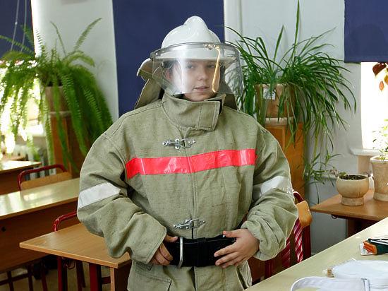Второклашек отправили в гости к пожарным