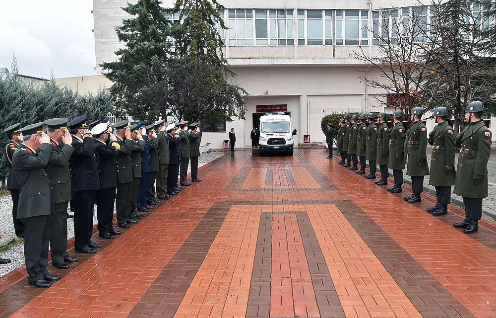Последний путь убитого пилота Су-24 из Турции в Россию