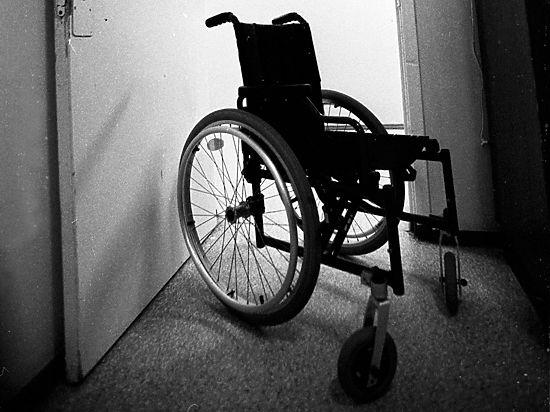 Говорящие лифты и цветные подъезды: как изменится жизнь инвалидов