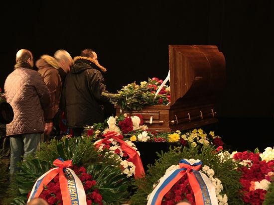 Прощание с Эльдаром Рязановым превратилось в политический митинг