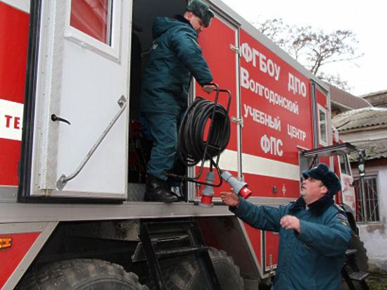 Уникальный автомобиль МЧС России обеспечивает электроэнергией сиферопольскую поликлинику, обслуживающую 30 тысяч детей