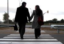 Ученые из Университета Конкук в Сеуле (Южная Корея) изучая данные долгосрочного опроса 7850 женщин, заметили, что чем больше составляла разница в росте между более высоким мужем и невысокой женой, тем последняя была счастливее
