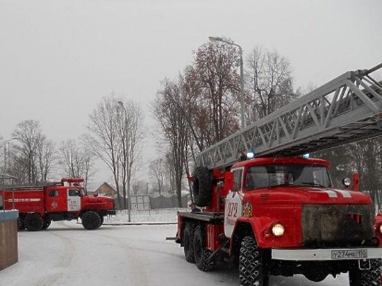 Спасатели МЧС России провели пожарно-тактическое учение в Талдомском районе Подмосковья