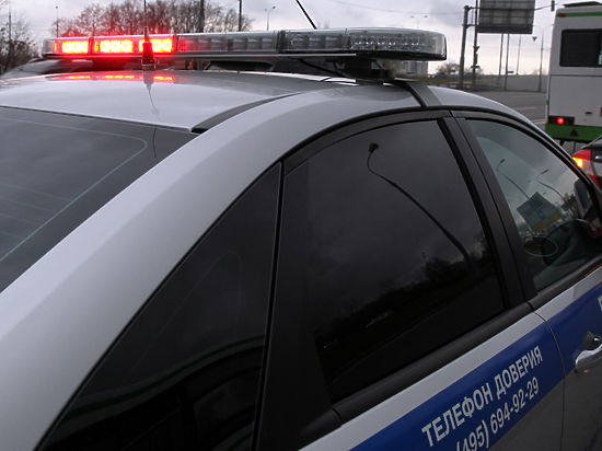 Полиция и дальнобойщики спровоцировали пробки на МКАДе