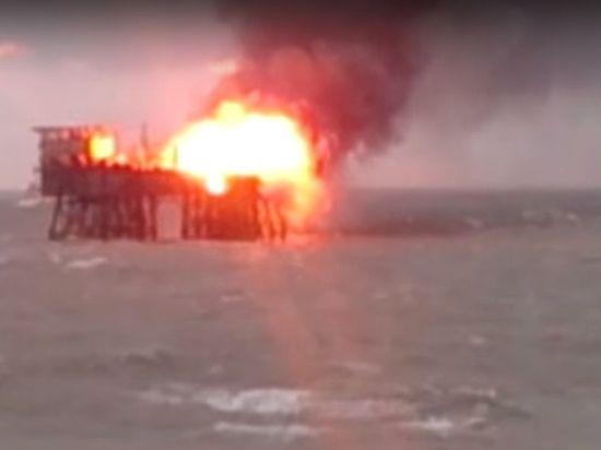 СМИ: при пожаре на нефтяной платформе Азербайджана погибли 32 человека