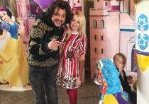 Пугачева показала дочку Лизу на дне рождения Аллы-Виктории Киркоровой