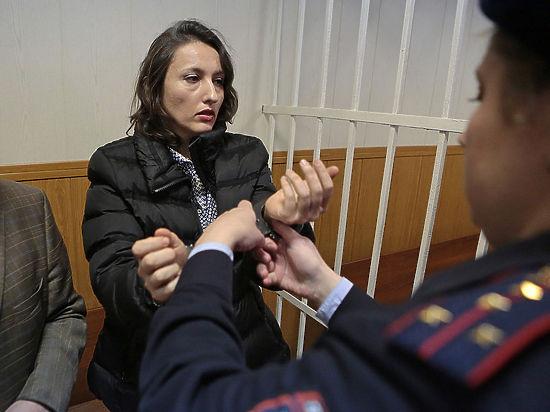 Осужденная за кражу лабрадора зоозащитница Виктория Павленко рассказала также, что ей приходится спать на полу