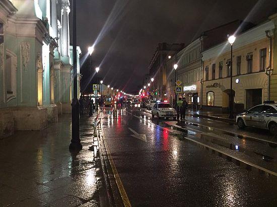 На остановке в центре Москвы прогремел взрыв, четверо ранены. ВИДЕО