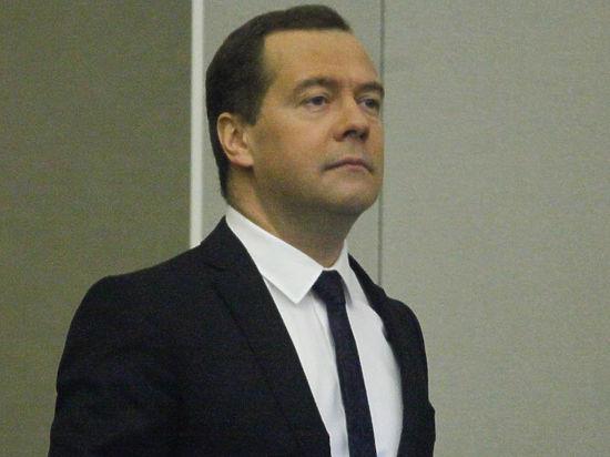 Разговор с хорошим парнем Медведевым: «Россияне приспособились!»