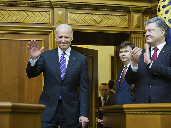 Чему вице-президент США Байден учит Украину