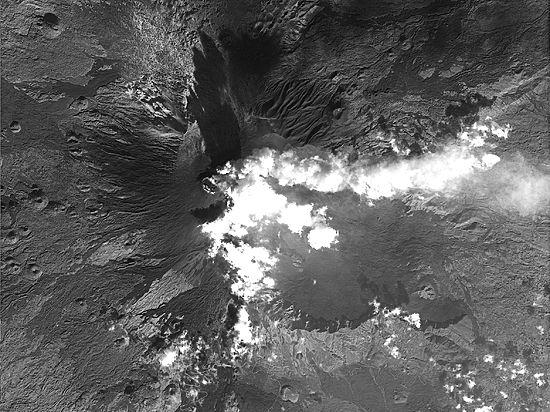 Фотодоказательство из космоса: вулкан Этна стал более взрывным