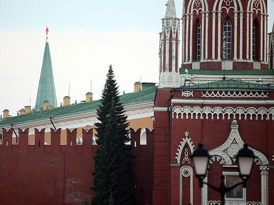 Кирпичи в кремлевской стене заменят на новые