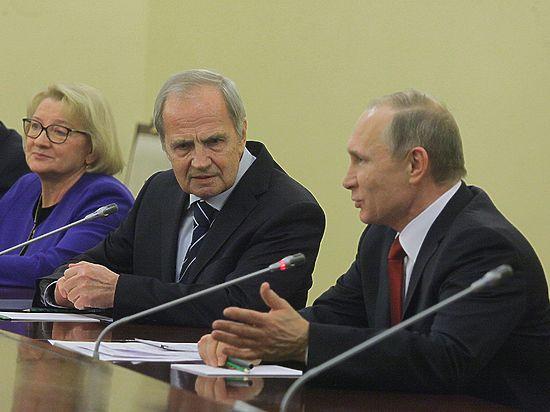 Глава КС Зорькин повеселил Путина и напугал Пескова путаной речью