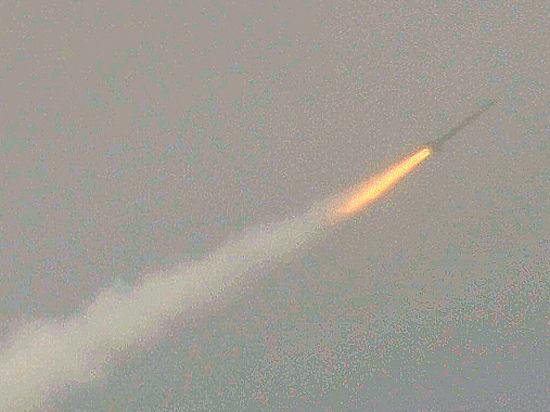 Эксперт назвал причины падения крылатой ракеты на жилой дом