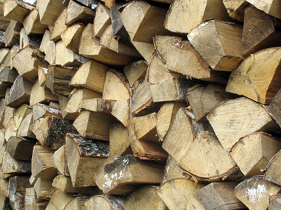 Власти Крыма сохраняют режим ЧС на фоне дефицита дров