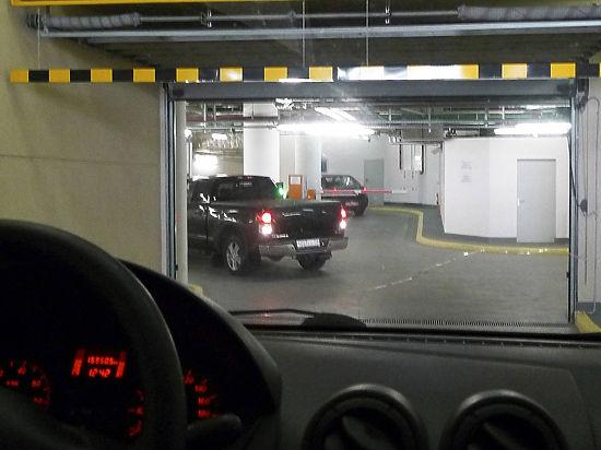 Депутаты хотят вернуть москвичам право продавать места на подземных паркингах