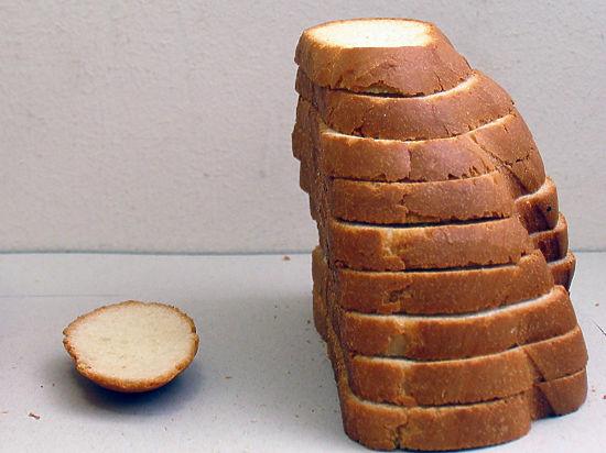 «Любил карнавалы»: сотрудник СИЗО задержан за кражу хлеба у зэчек