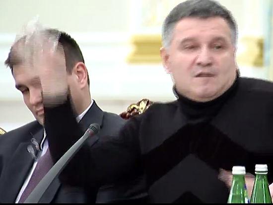 Украинские и зарубежные СМИ отреагировали на скандал Авакова и Саакашвили