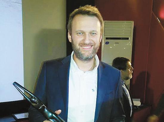 «Дорогой он или она»: Навальный отказался назвать режиссера фильма «Чайка»