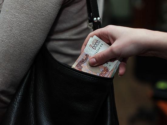 Наличные деньги и янтарные нарды: какие взятки предпочитают сотрудники калининградской ФМС