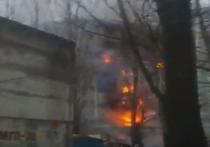 По предварительным данным ЧП в Волгограде произошло из-за взрыва бытового газа, либо из-за детонировавших баллонов сжиженного топлива, которые хранились на одном из этажей