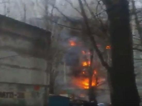 В результате взрыва в Волгограде пострадал спасатель