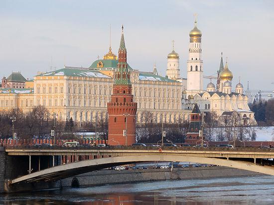 Белый дом подыгрывает Кремлю?
