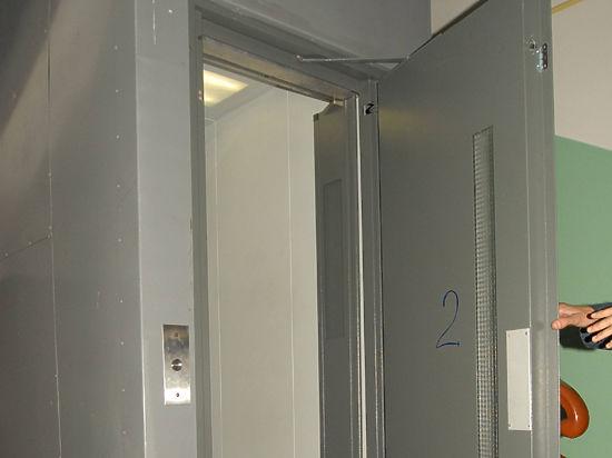 Спасение управленческой задницы: кто виноват в гибели младенца в лифте