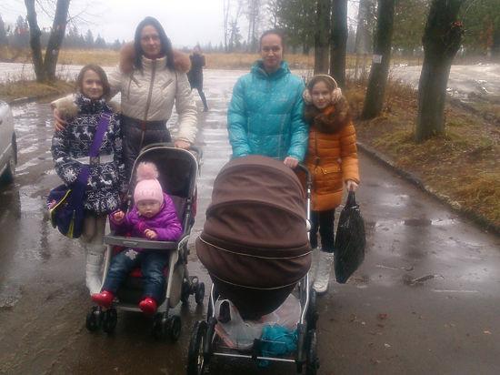 Никому не нужны: украинских беженцев в России выгоняют на улицу