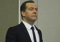 Премьер-министр РФ Дмитрий Медведев в 2015 году уступил свое многолетнее второе место по упоминаемости в телевизионном эфире министру иностранных дел РФ Сергею Лаврову